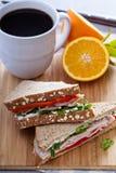 Frukostsmörgås med kalkon Royaltyfri Fotografi
