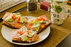frukostsmörgåstea Arkivbilder