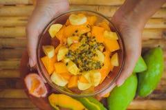 Frukt för passion för banan för salladmangopapaya Fotografering för Bildbyråer