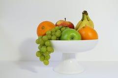 Frukt i en fruktbunke Royaltyfri Bild