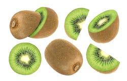 frukt isolerad kiwi Samling av den hela och skivade kiwin som isoleras på vit bakgrund Arkivfoton