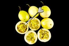frukt isolerad passion arkivbilder