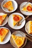 Frukt- kaka med apelsiner royaltyfri foto