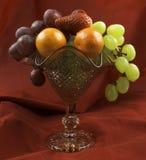 frukt kuper royaltyfria foton