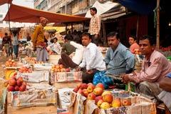 Frukt marknadsför säljare Royaltyfria Bilder