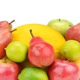 Frukt och bär som isoleras på vit bakgrund sund mat Fotografering för Bildbyråer