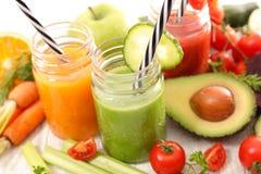 Frukt- och grönsakfruktsaft arkivfoton