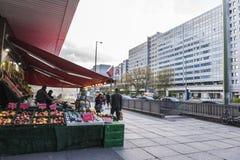 Frukt- och grönsaklager i Berlin, Tyskland Arkivfoto