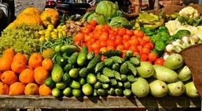 Frukt- och grönsakstativ Arkivfoton