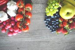 Frukt och gr?nsaker royaltyfri fotografi