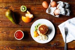 Frukt- ostpannkakor Fotografering för Bildbyråer
