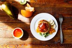 Frukt- ostpannkakor Royaltyfri Foto