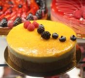 Frukt som är syrlig i franskt bageri arkivbild