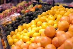 Frukt som säljs i en supermarket i Hong Kong Royaltyfria Foton