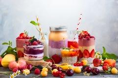Fruktbärsmoothie royaltyfri foto
