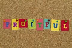 Fruktbart ord som är skriftligt på färgrika anmärkningar royaltyfria foton