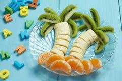 Fruktefterrätt för barn Royaltyfria Bilder