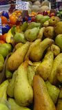 Frukter i bondemarknad Royaltyfri Fotografi