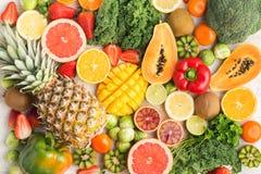 Frukter och grönsaker som är rika i vitamin C Royaltyfria Bilder
