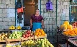 Frukter på marknaden i Derbent Royaltyfri Foto