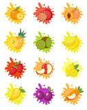 Frukter plaskar uppsättningen av etiketter Fruktfärgstänk, droppemblem Arkivbilder