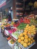 Frukter shoppar Arkivfoto