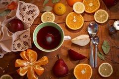 Frukter - sunda vitaminer för frukost 2 Arkivfoton