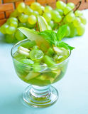 fruktexponeringsglassallad Arkivbilder