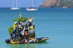 Fruktfartyg i den Rodney fjärden i Saint Lucia som är karibisk Royaltyfri Foto