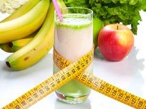 Fruktfruktsaft - banta och kondition arkivfoto