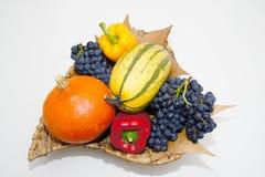 Fruktkorg arkivbilder