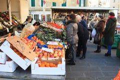 Fruktmarknad, Chioggia Arkivbild