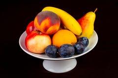 Fruktplattablandning royaltyfri bild