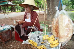 fruktsäljaregata thailand Royaltyfria Bilder