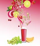 Fruktsaft och frukter Arkivfoton