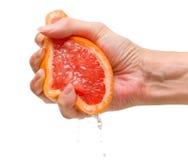 fruktsaft ut pressar Arkivfoton