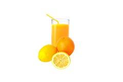 Fruktsaften från citronerna och apelsinen Arkivfoton