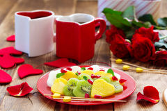 Fruktsallad i form av hjärtor Fotografering för Bildbyråer