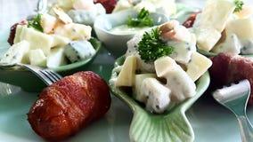 Fruktsallad med baconrulle Arkivfoton