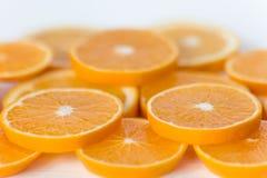 Fruktskivor för bakgrunden Apelsin Royaltyfri Foto