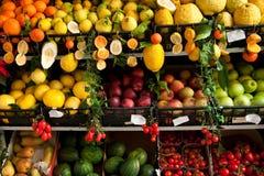 fruktstall Arkivfoton