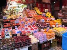 Fruktstall i Tokyo Arkivfoto