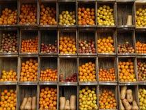 fruktstand Arkivfoton