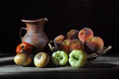 frukttabellgrönsaker Royaltyfria Bilder