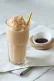 Frullati del tè del bicchiere di latte Immagini Stock Libere da Diritti