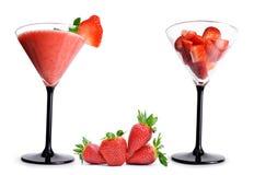 Frullati deliziosi della frutta dalla fragola fresca in un vetro Fotografia Stock Libera da Diritti