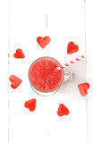 Frullati frutta dell'anguria e volo della bacca Fotografia Stock