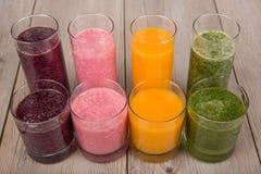 Frullati sani di quattro frutta, della bacca e delle verdure Immagini Stock Libere da Diritti