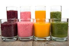 Frullati sani di quattro frutta, della bacca e delle verdure Fotografie Stock Libere da Diritti