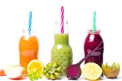 Frullati variopinti con i frutti isolati Immagini Stock Libere da Diritti